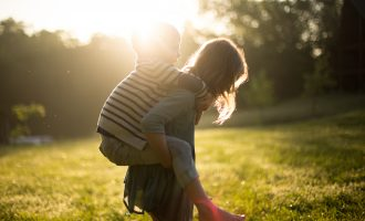 How To Help Your Kids In Corporate Worship